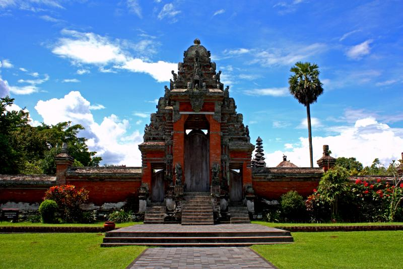 grand-bali-tour-bali-taman-ayun-temple