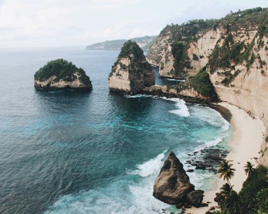 nusa-penida trip-atuh-beach