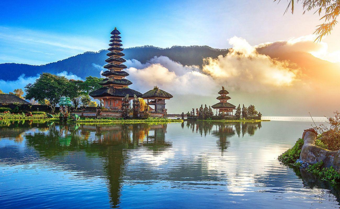 ulun-danu-beratan-temple